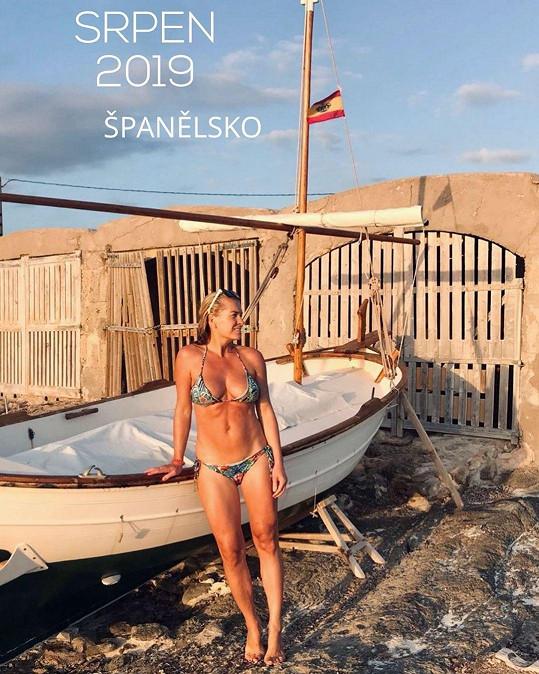 Aby zmátla okolí, zveřejnila Olga dva týdny po porodu tuto fotku v plavkách.
