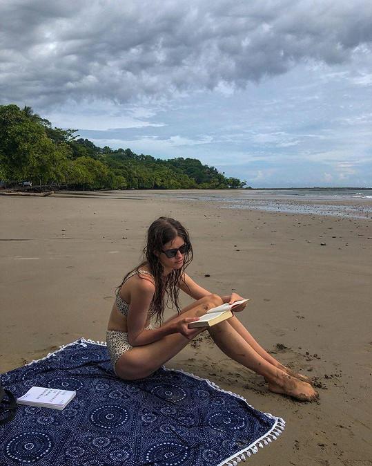 Na Kostariku odletěla úspěšná topmodelka ze své pracovní cesty.
