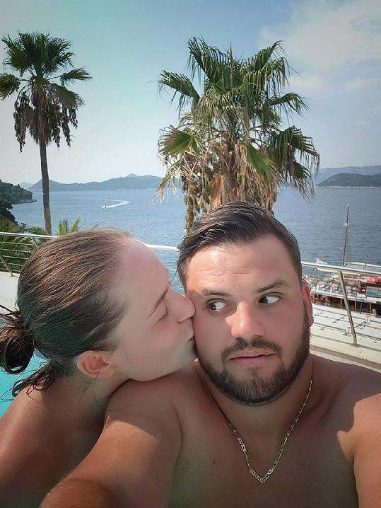 Zbytek dovolené na ostrově Šipan si užívali už jako snoubenci.