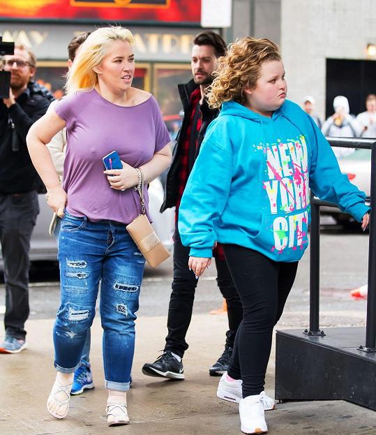 Mama June výrazně zhubla, dcerka by si z ní mohla vzít příklad.