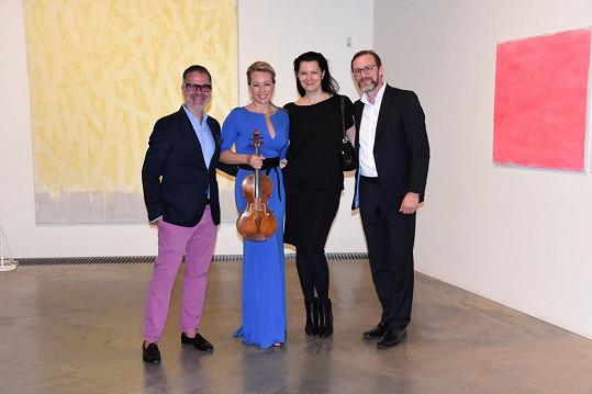 S návrhářkou, jejím manželem a svým stylistou Martinem Gruntorádem na archivním snímku