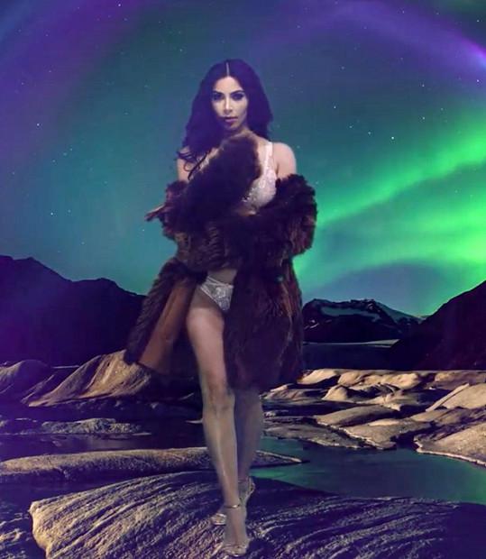 Vrací se tímto nejslavnější Kardashianka na scénu?
