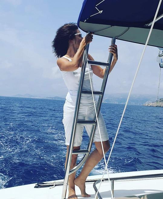 Klára vyrazila na plavbu lodí po Jaderském moři.