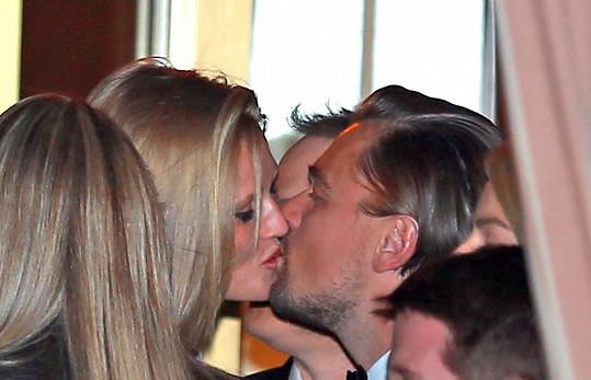 V minulosti Toni randila s Leem DiCapriem.