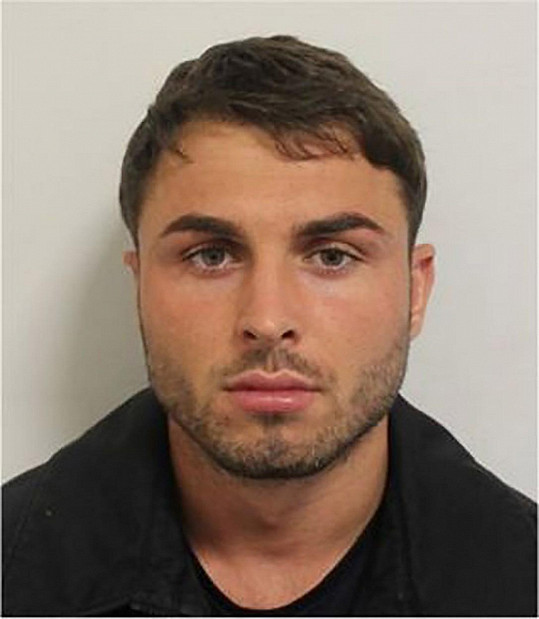 Collins byl zatčen za útok žíravinou v londýnském klubu.