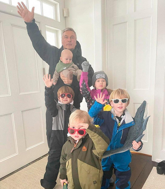 Doposud měli pět společných dětí.