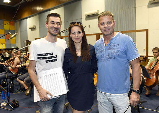 Autor hudby Daniel Barták, Karolina Gudasová a režisér Filip Renč