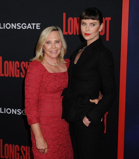 Charlize Theron s maminkou Gerdou