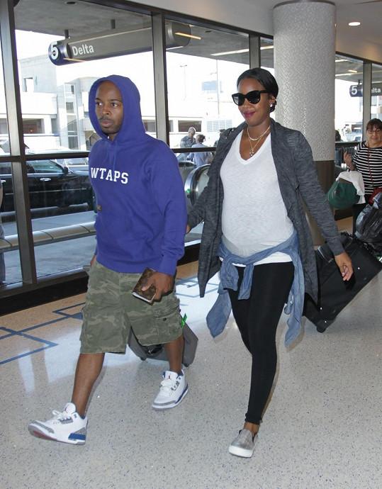 Novopečení rodiče Kelly Rowland a Tim Witherspoon