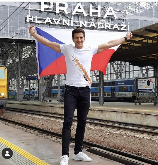 Na soutěž Mr. Supranational jel do polských Katovic vlakem.