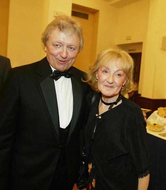 Václav Neckář s manželkou Jaroslavou na archivním snímku