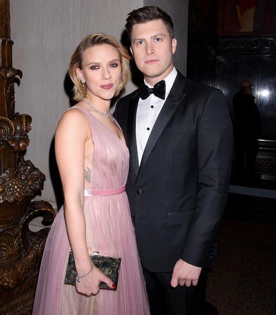 Scarlett Johansson a Colin Jost přivítali přírůstek do rodiny.