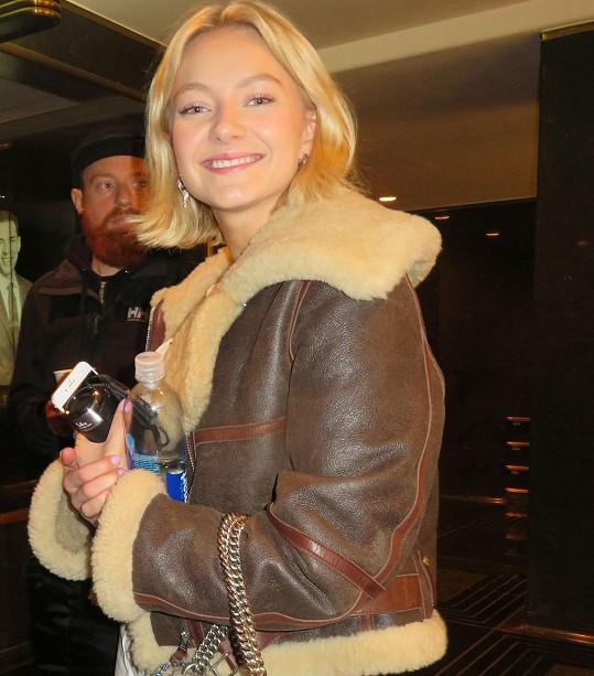 Astrid S začala svou kariéru v norské verzi pěvecké soutěže Pop Idol.