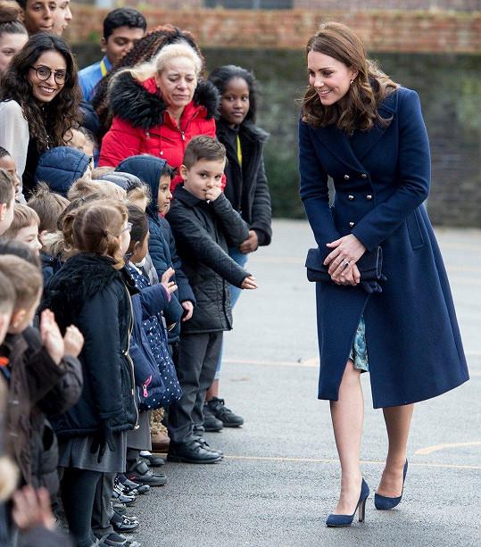 Vévodkyně Kate přišla podpořit školáky.