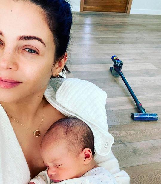 Syna Calluma herečka a tanečnice porodila před 11 týdny.