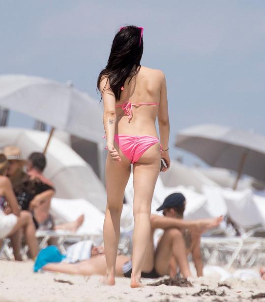 Lourdes na pláži v Miami