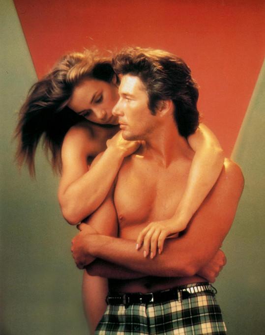 Richard Gere se do mladé Francouzky zamiloval. Divíte se mu?