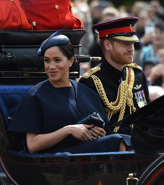 Harry a Meghan pokřtí syna příští měsíc.