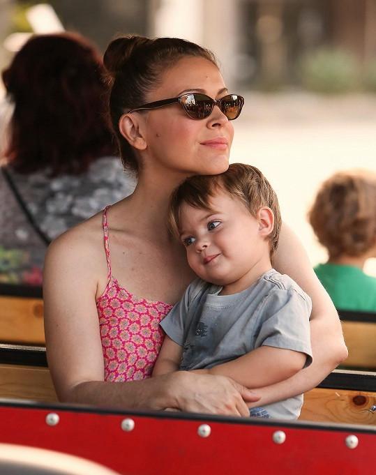 Milano se synem Milem Thomasem