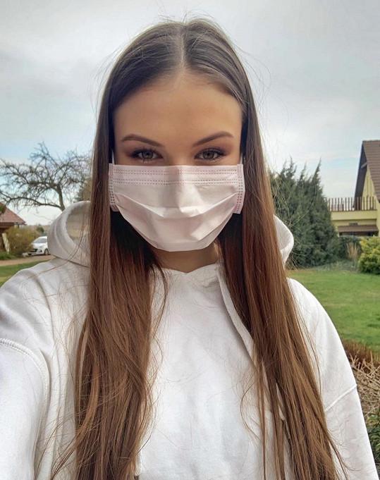 Klára Vavrušková je kromě titulu Česko-Slovenská Miss také třetí nejkrásnější dívkou planety Země ze soutěže Miss Earth.