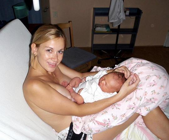 Lucie Dvořáková před deseti lety, když se jí narodil syn Michal.