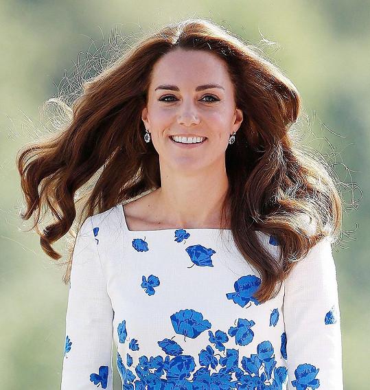 Vévodkyně rozdávala úsměvy.