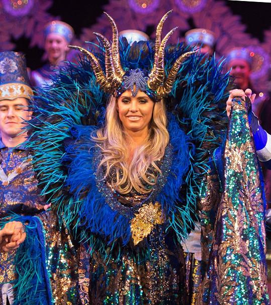 Modelka se představila jako zlá královna v divadelní inscenaci Šípková Růženka.