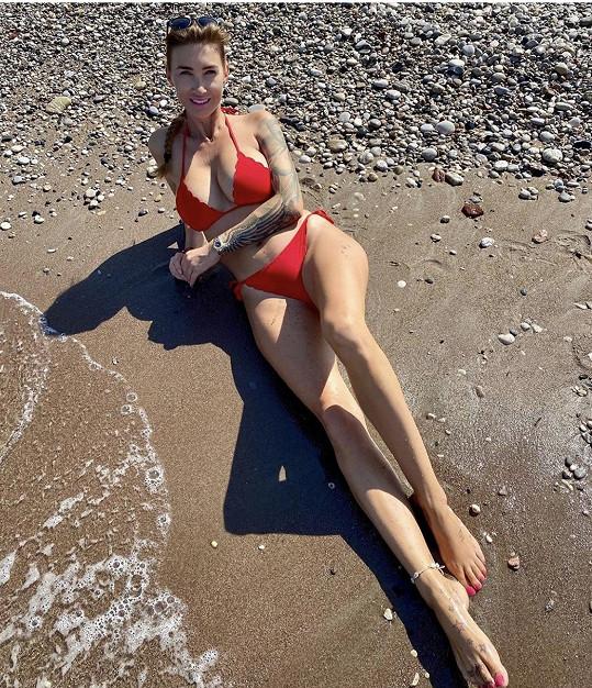 Dominika Mesarošová v plavkách