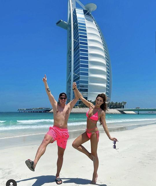 Lenka si užívá s manželem Davidem dovolenou v Dubaji.