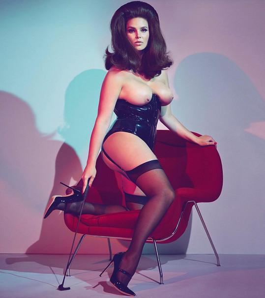 Modelka se objevila dokonce v kalendáři Pirelli.
