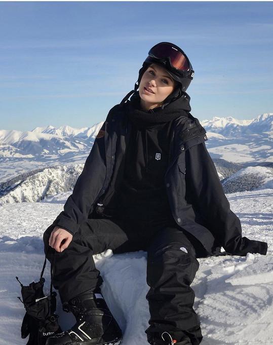V Liptovském Mikuláši se učí lyžovat Petra Mácová.