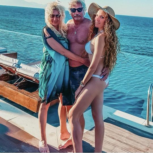 Olga trávila dovolenou s rodiči na ostrově Zakynthos.