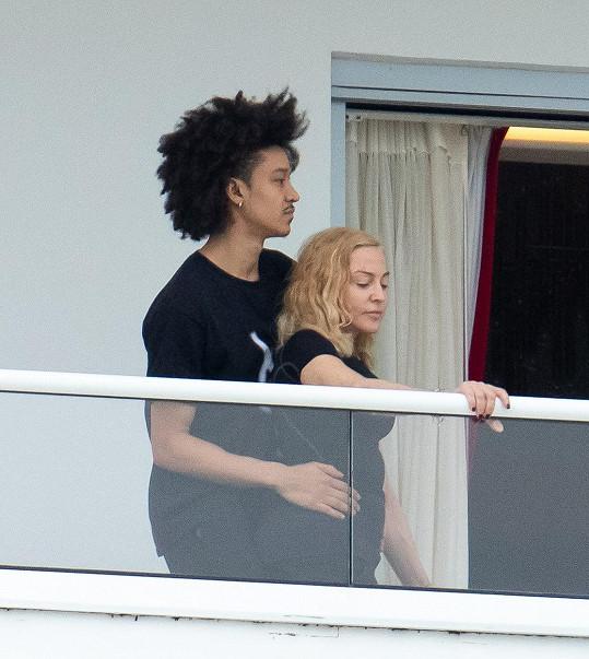 Madonna se tulila ke svému tanečníkovi Ahlamaliku Williamsovi.