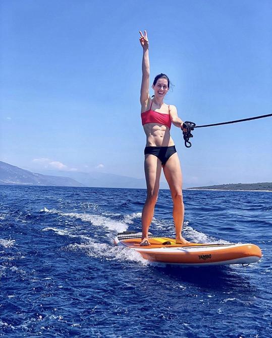 Lucie Křížková si také užívá v Chorvatsku.