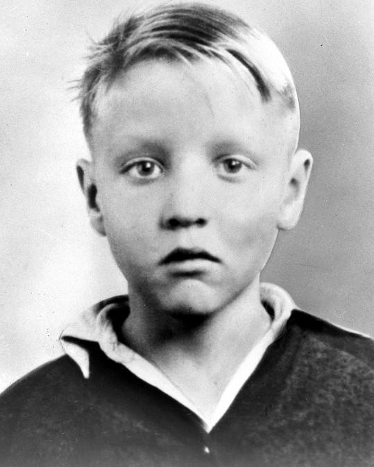 Elvis Presley byl jako malý kluk roztomilým blonďáčkem.