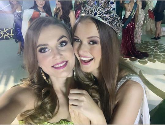 První gratulantkou byla Miss Earth Slovenské republiky Stanislava Lučková.