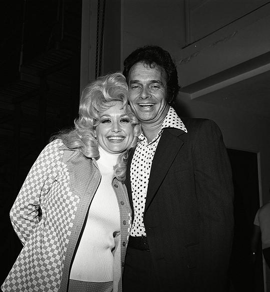 Merle Haggard s country legendou Dolly Parton v roce 1977
