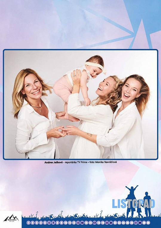 Andrea Ježková s dcerami Sandrou a Nikolou a vnučkou Elenkou v kalendáři Šťastná hvězda