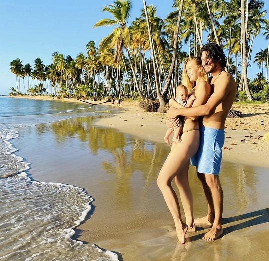 Petra Němcová s manželem a synem pobývají v Dominikánské republice.