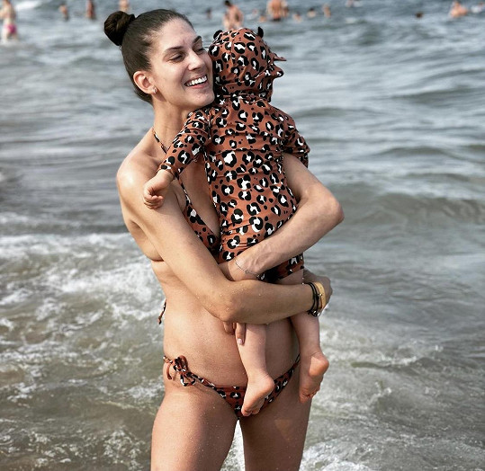 Aneta se synem Jiříčkem na dovolené v Bulharsku