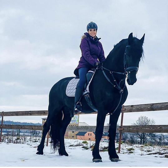 Hanka se svým milovaném koněm Dantem