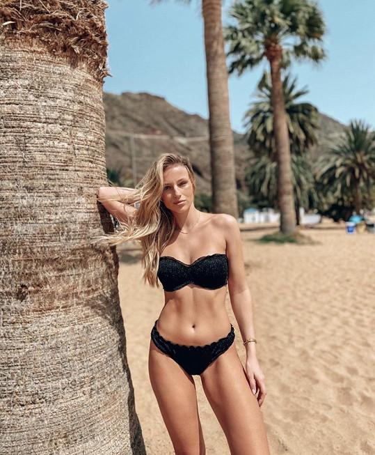 Karolína Mališová si užívá na Tenerife slunečného počasí.