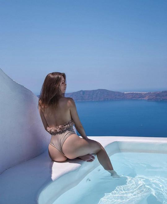 Týnuš nyní zveřejnila tuto sexy fotku jako vzpomínku na dovolenou.