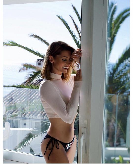 Tereza Kerndlová zapózovala ve Španělsku na terase nového domu.