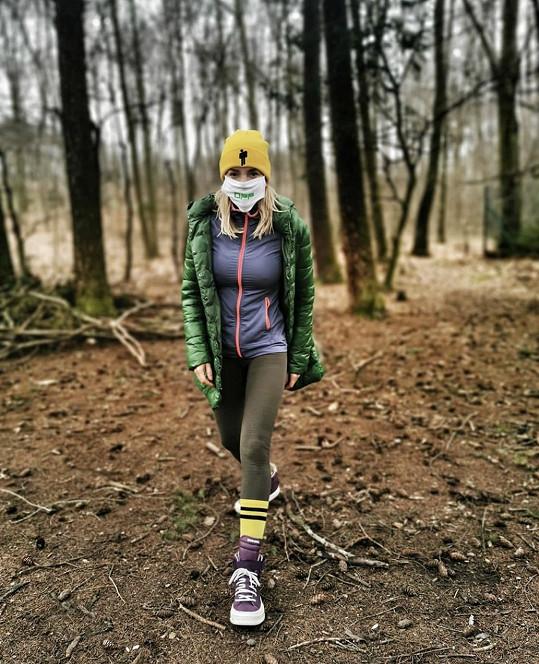 Dara chodí aspoň na dlouhé procházky.