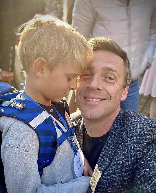 Roman Vojtek se synem Benediktem