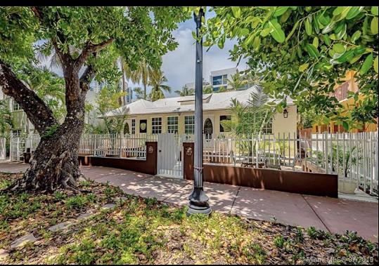 Rezidenci původně určenou k pronájmu pro turisty v první vlně pandemie přebudovali na dům pro rodinu.