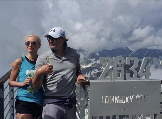 Týden před tím trávil s přítelkyní Helenou ve Vysokých Tatrách.