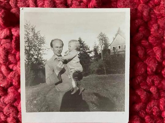 Kateřina s otcem jako miminko