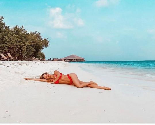 Eva Perkausová si dovolenou na Maledivách užívala...